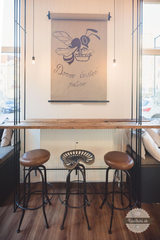 kaviareň interiér