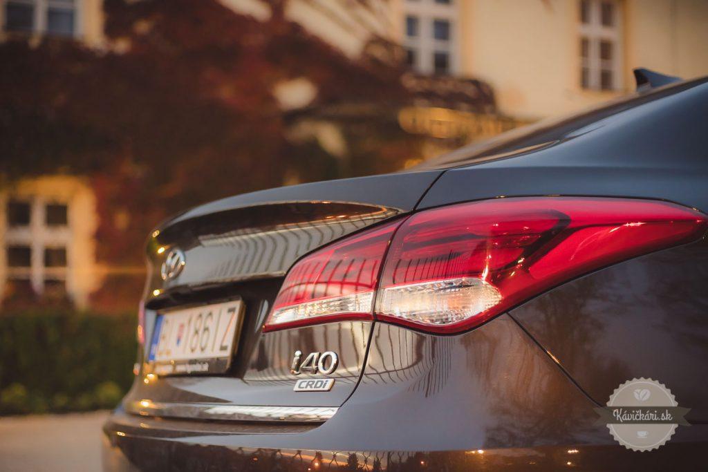 auto svetlá