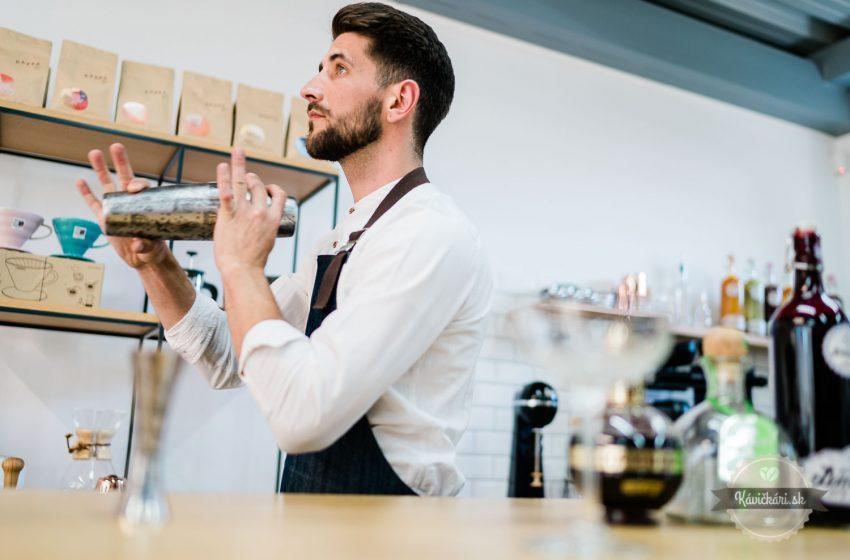 Maliny, strieborná tequila, na vrch kávová espuma: Vyskúšajte výnimočný drink Hombre