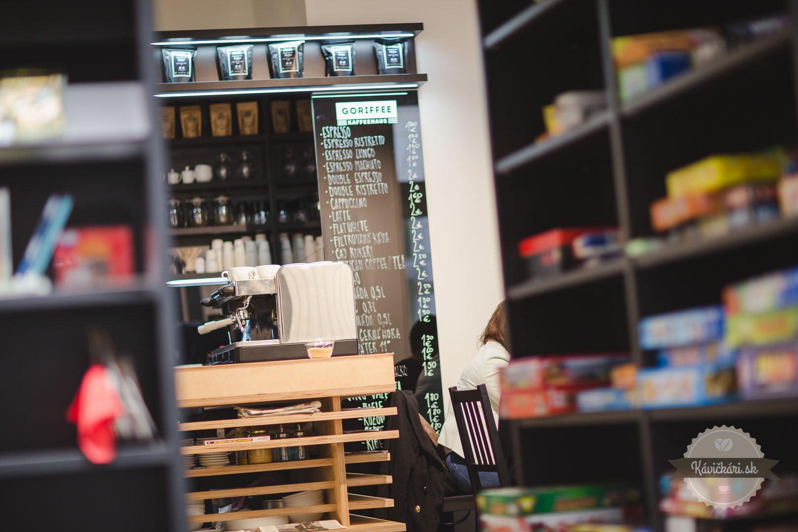 bar v kaviarni v goethe inštitúte