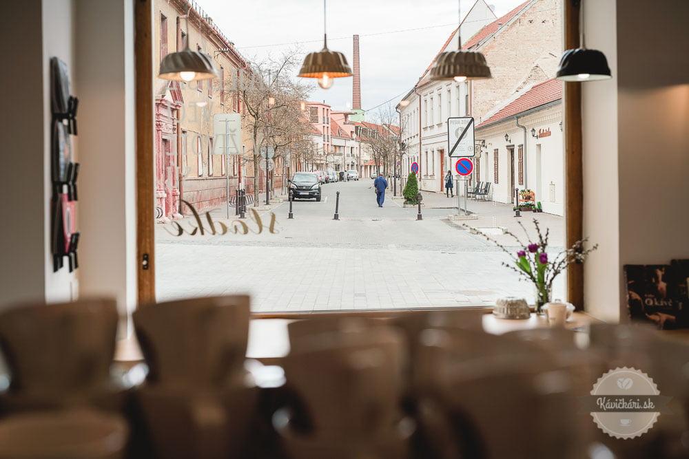 bábovka originálny interiér kaviarne