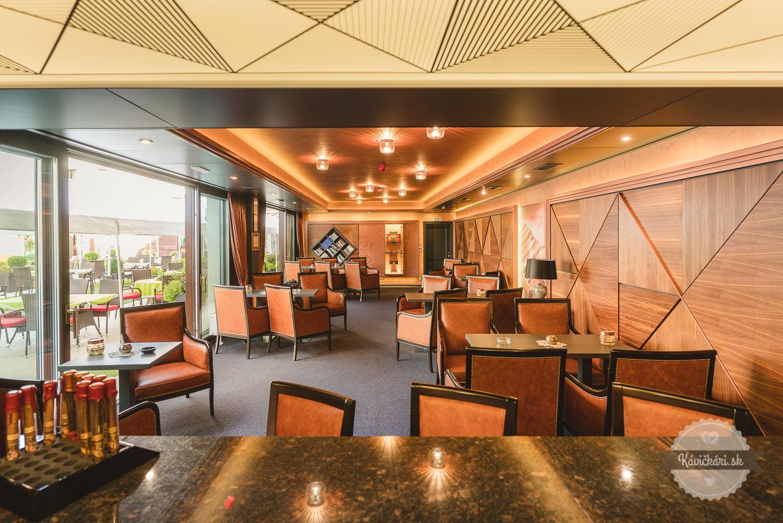 Cognac Cigár Bar Hotel Hviezdoslav