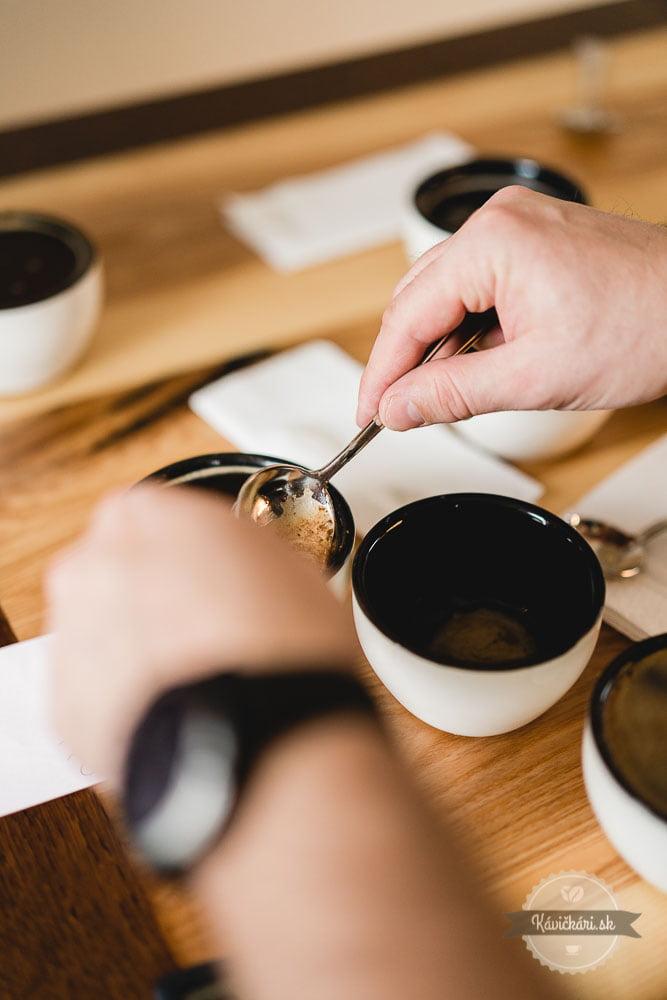 cupping-kavickarisk-kavickari-coffia