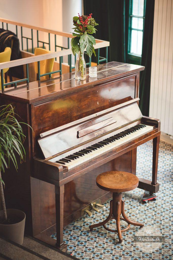 dobredobre klavír