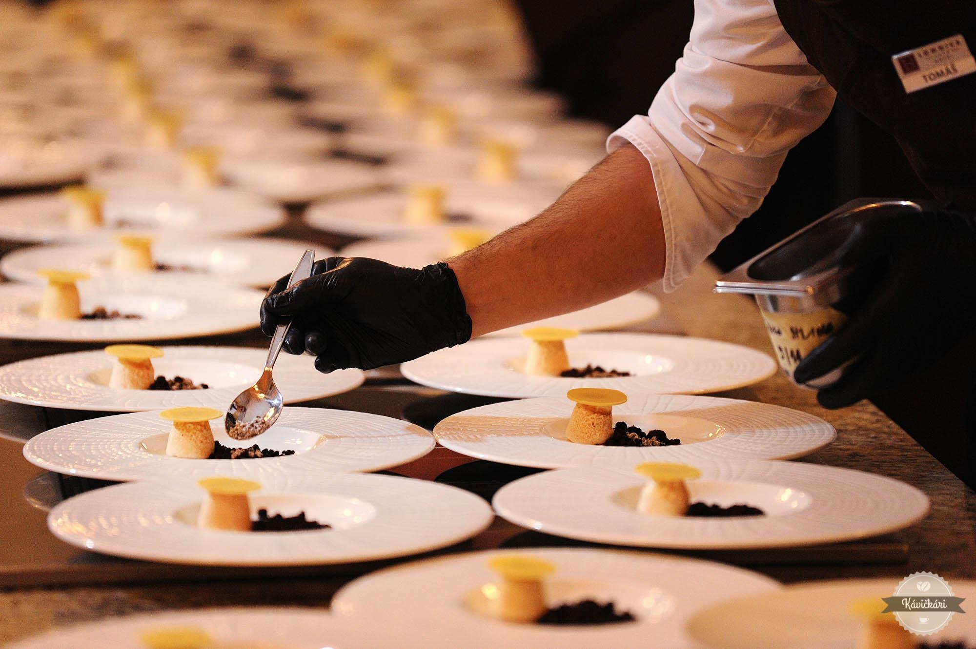 enrico-bartolini-hotel-lomnica-jedlo-menu-servirovanie