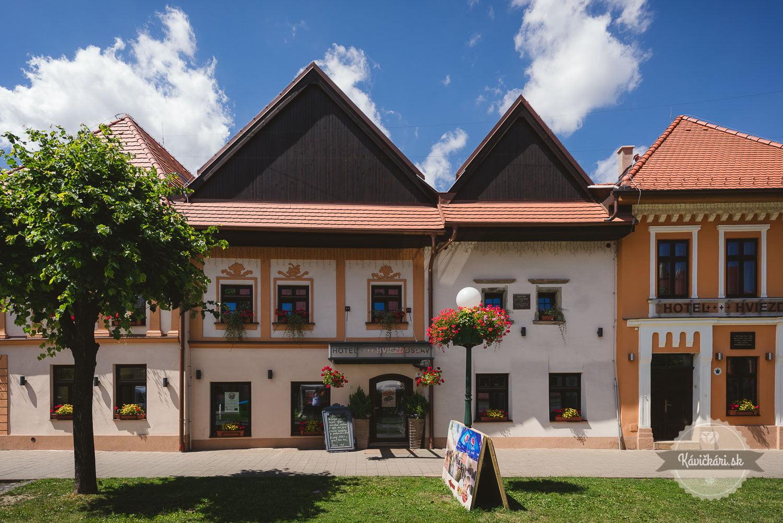 Vstup do Hotela Hviezdoslav