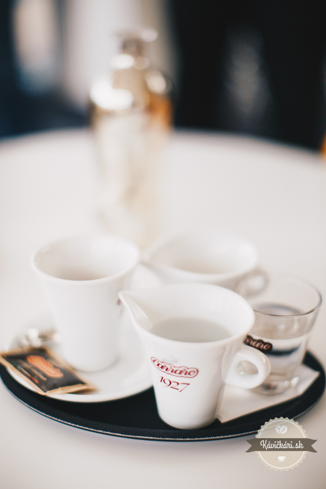 káva Carraro
