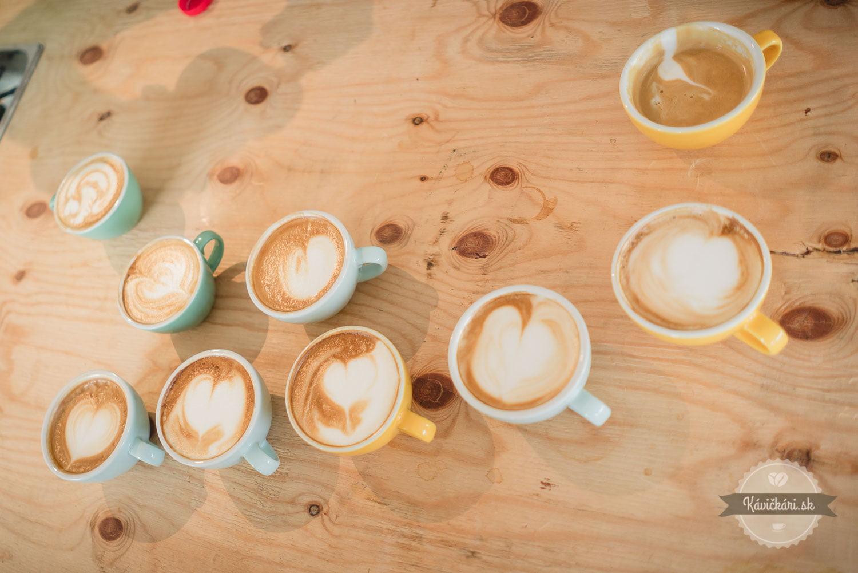 pokus kávičkárov o latteart