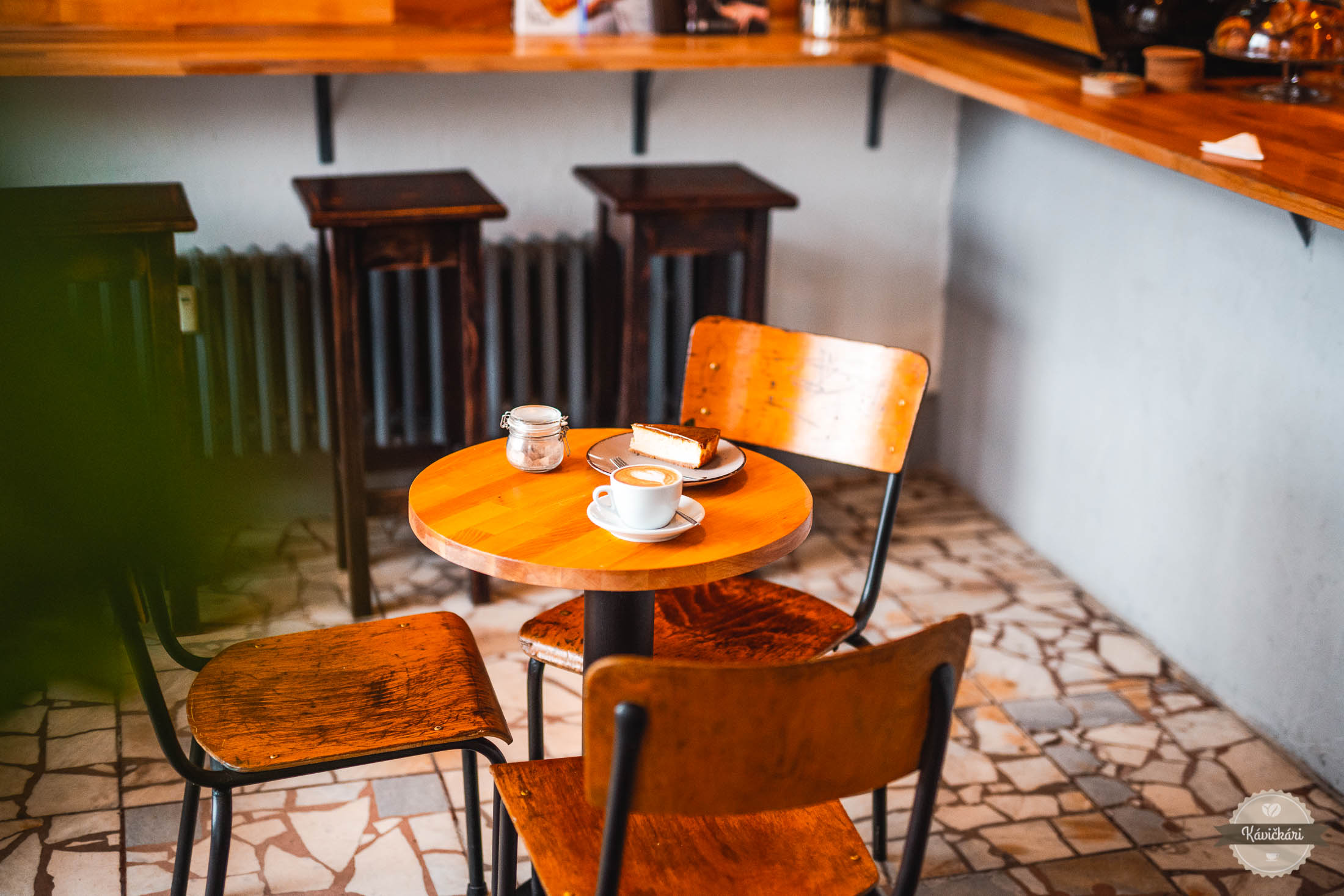 kaviaren-spacirka-bratislava-interier-dizajn