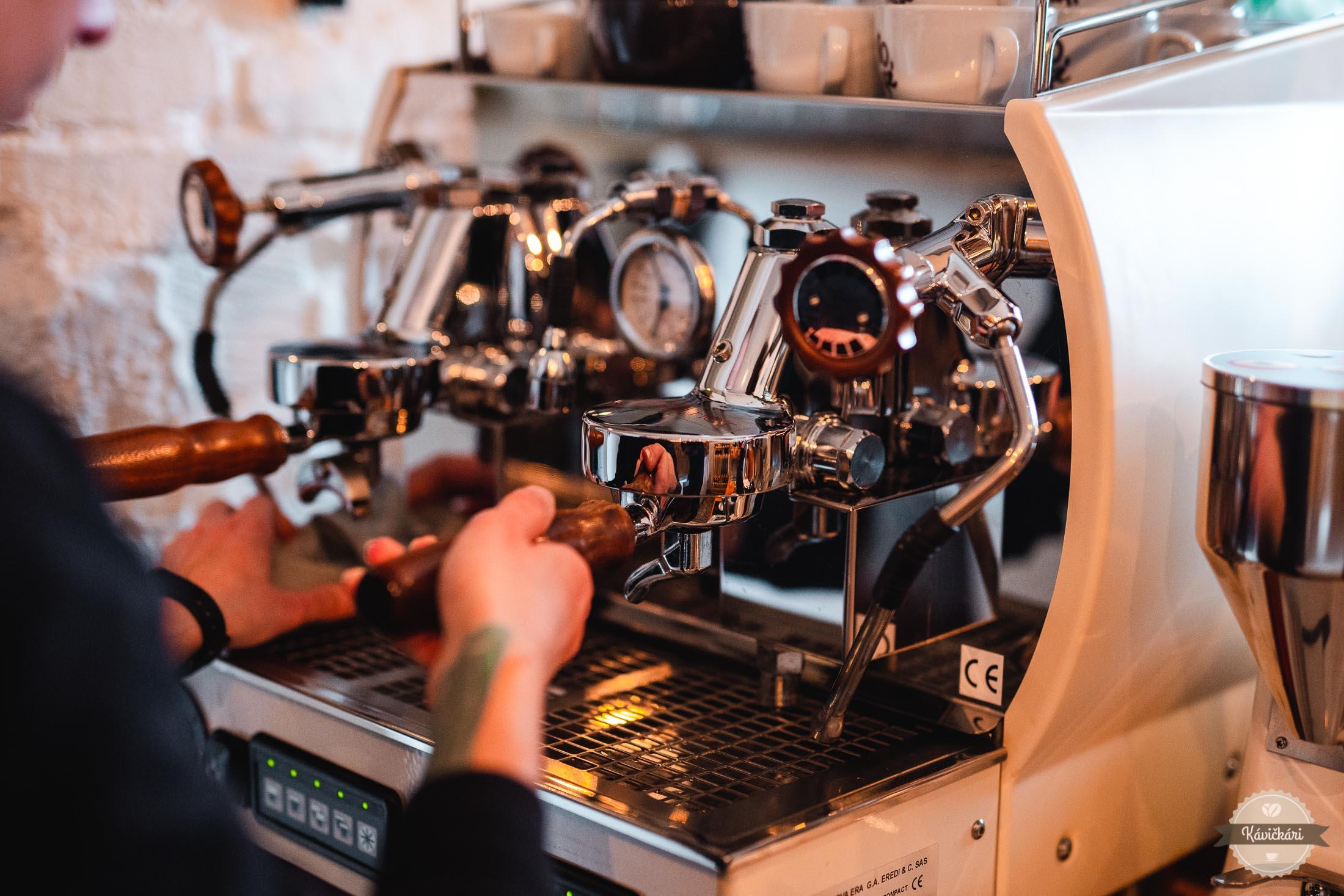 kaviaren-spacirka-bratislava-kava-kavickari-kavickarisk
