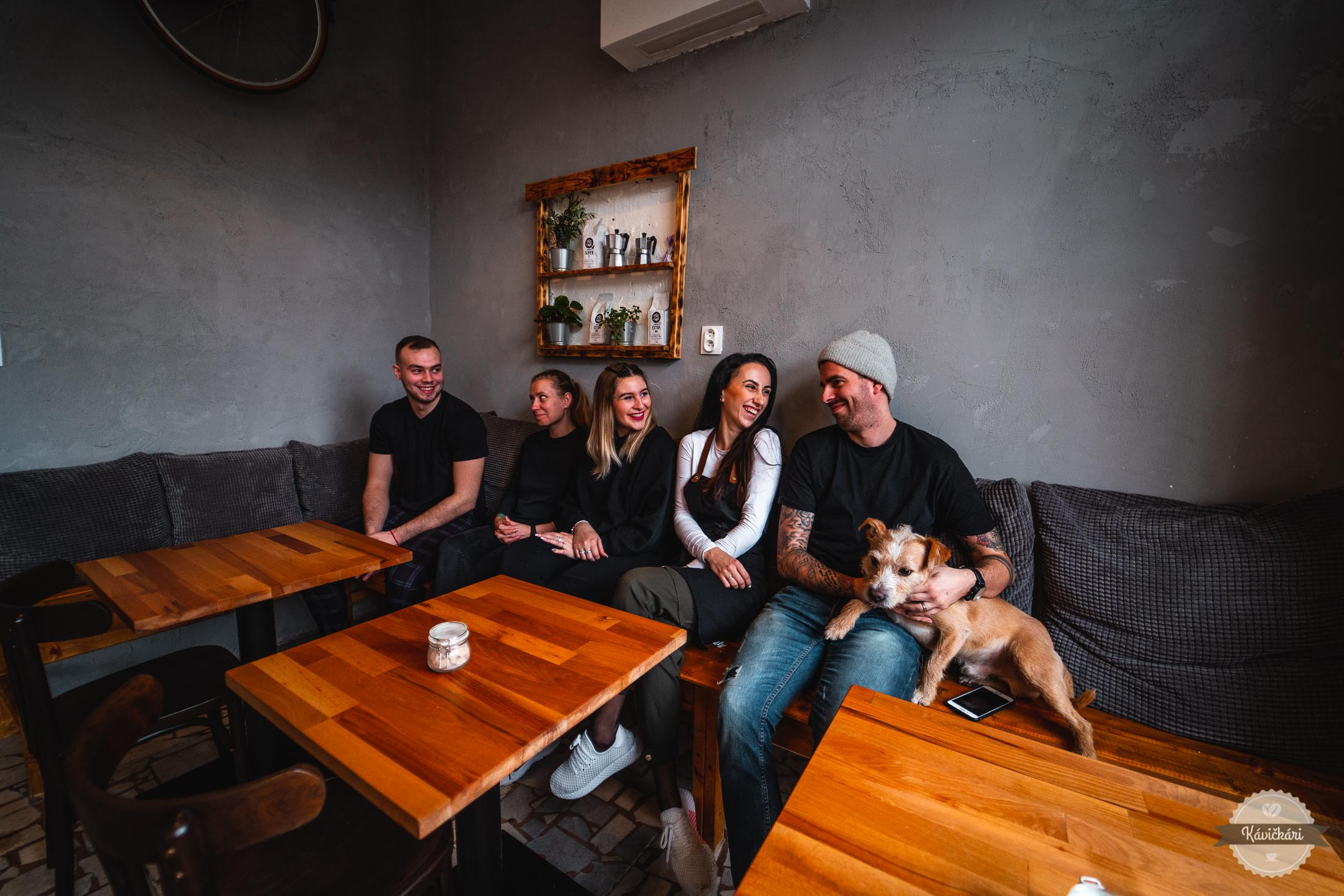 kaviaren-spacirka-tim-bratislava
