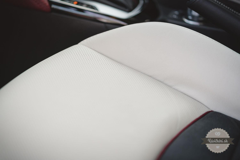 Mazda CX-3 interiér