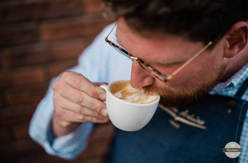 Šimon Staš: Korporácie unifikovali kávu. My chceme ľudí fascinovať jej vôňami i chuťami
