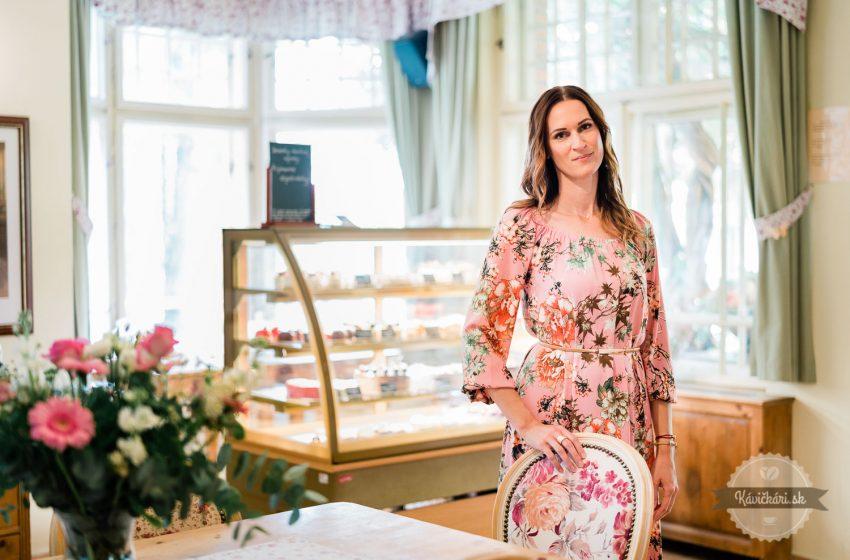Monika Galbavá: Od banky kmakrónkam vkúpeľnom parku