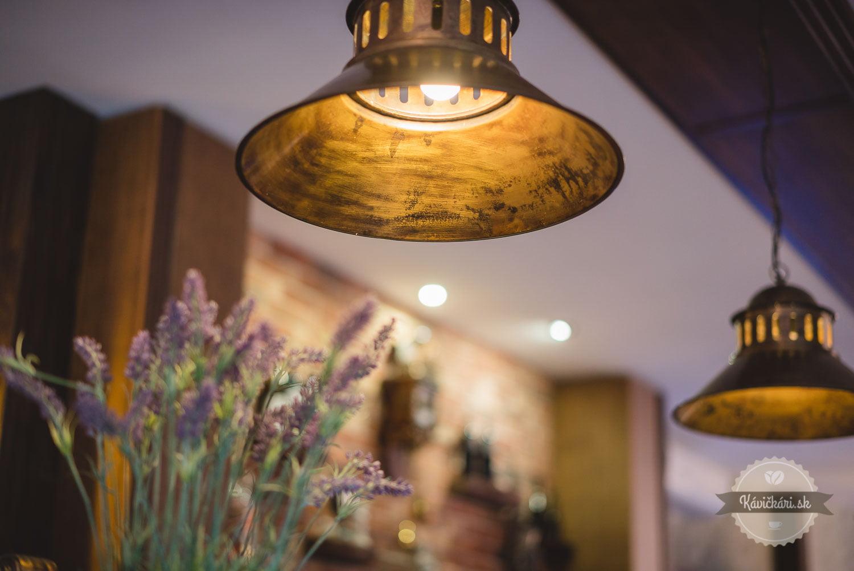 penzion berg interier lampy