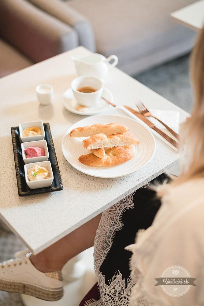 raňajky Rebarbora