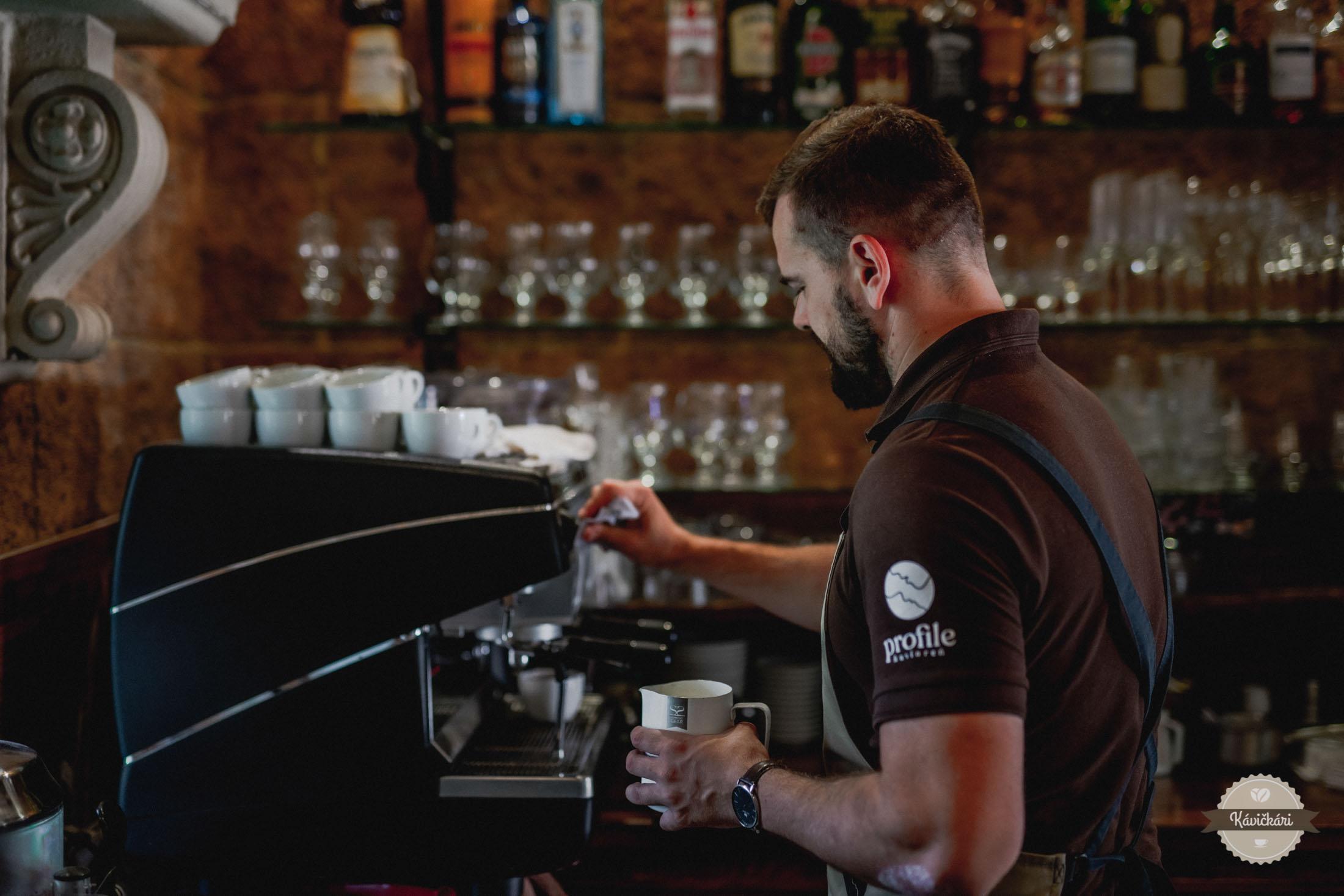 profile-kaviaren-krupina-41