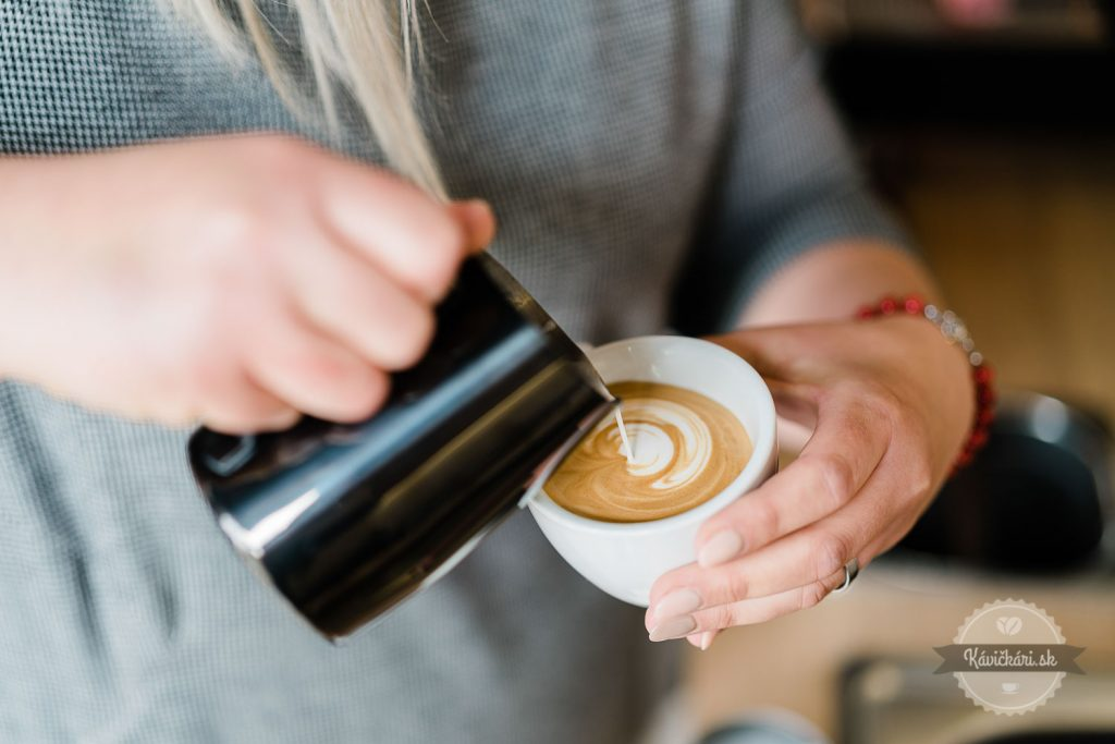 cappuccino-cornus-cafe