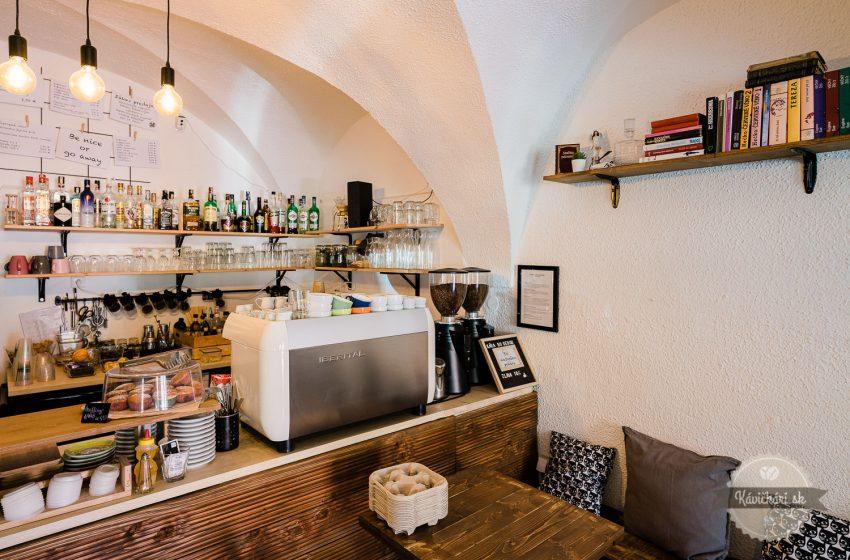 kava-bar-kniznica