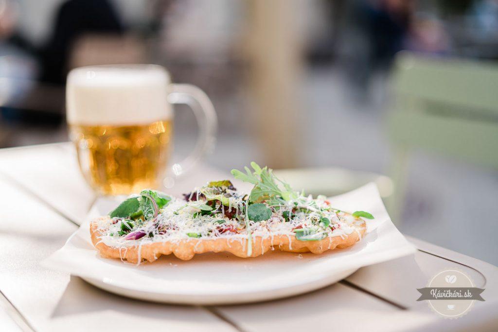 pivo-jedlo-akademia-trnava-slovensko