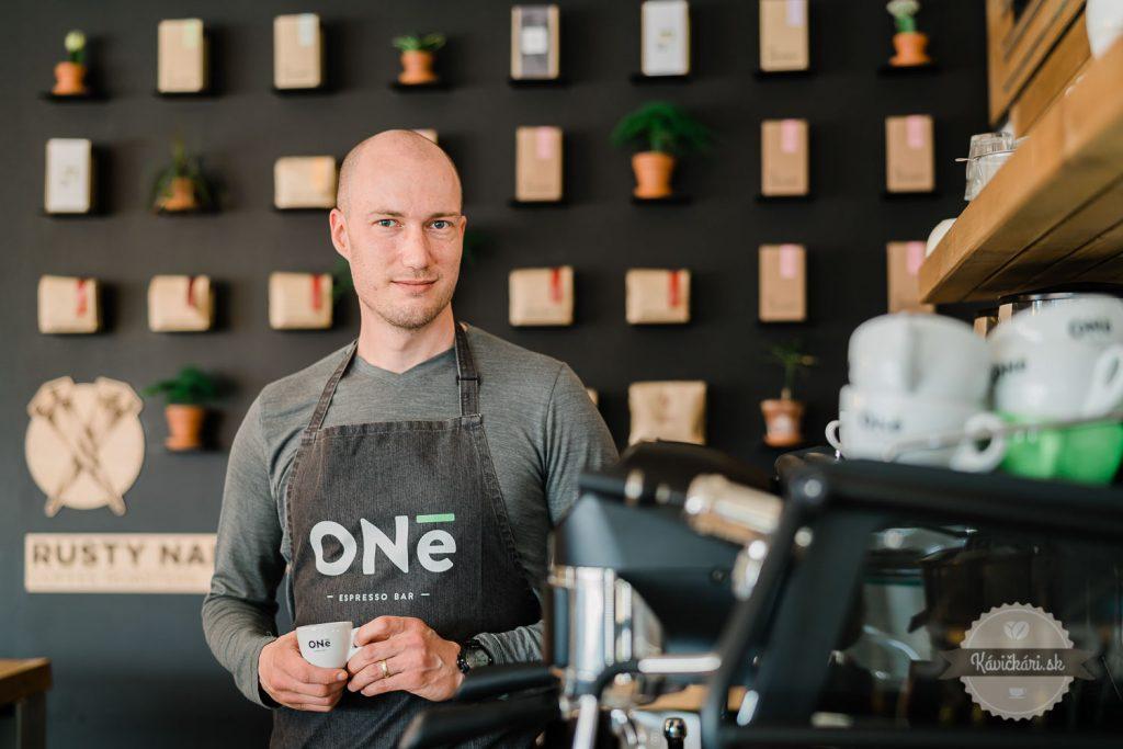 príprava-kavy-oneespressobar-kavickari-kavickarisk