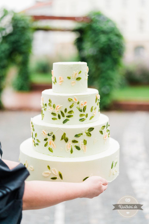 svadobna-torta